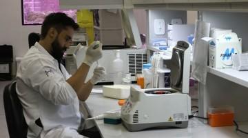 19/10/2016. Credito: Julio Jacobina/DP   Laboratorio da Fiocruz onde e feita Pesquisas sobre o Zika Virus.